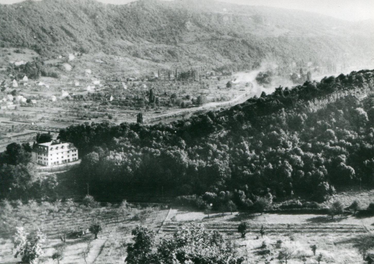 1958 - La Roche d'Or vue du Rosemont. La Maison Carrée