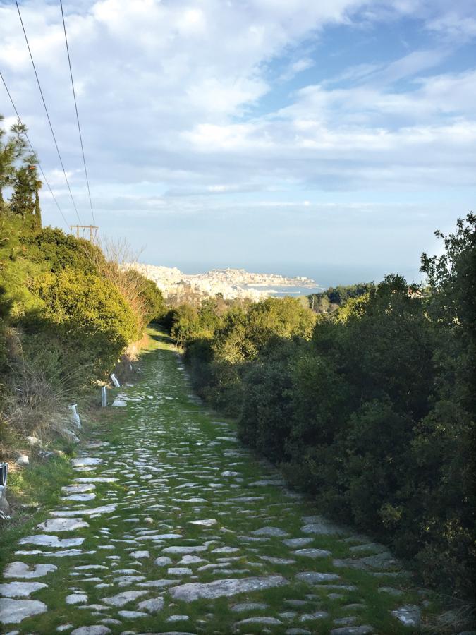Les Fontanilles. Retraites itinérantes. Grèce, via Egnatia et à l'arrière plan, Kavala 2