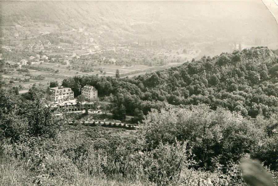 1963 - La Roche d'Or vue du rosemont la Maison Carrée et le bâtiment saint Joseph