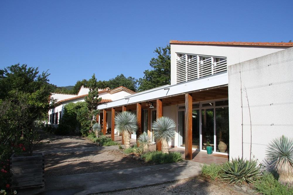 "La chapelle et la maison ""Jonas"""